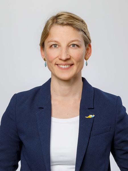 Katharina Strassburger-Groppweis   Karriere bei maxit